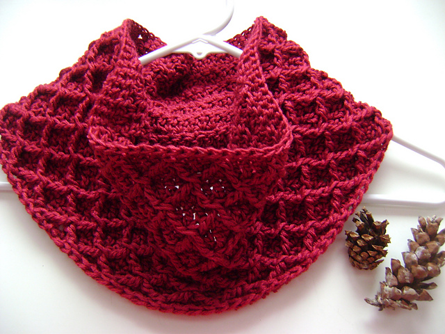 Ravelry Diamond Crochet Cowl Pattern By Tamara Kelly