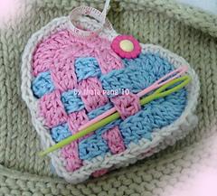 Valentine_basket_wave_sachet_small