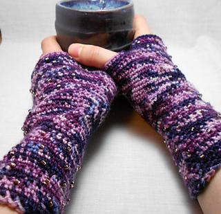 Crochetedbeadedmittse_small2