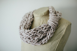 Finger_knit_cowl-2_small_best_fit