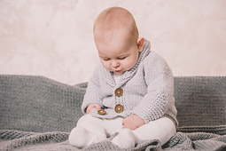 Arrow_baby_cardigan-the_morning_whisper8_small_best_fit
