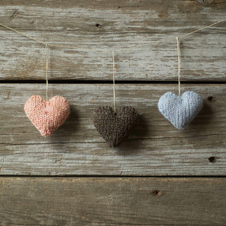 Knit_love_hearts_small2