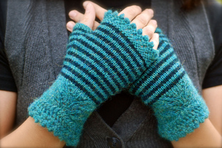 Andean_mitts_small2