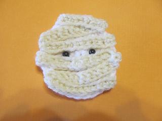 Ravelry mummy crochet halloween applique pattern by tiffany wilson