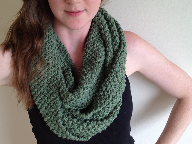 Ravelry: SEED STITCH INFINITY SCARF pattern by MICHELLE CZYZO
