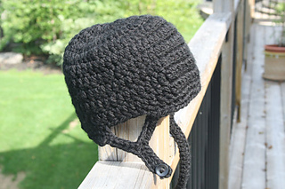 Hockey Helmet Hat Crochet Pattern pattern by Tory Feyko
