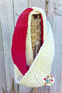 Loopy_scarf_crochet_pattern_small2
