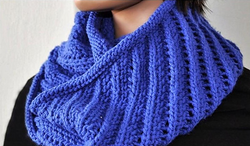 Ravelry: Cowl on the Diagonal pattern by Ann Norling