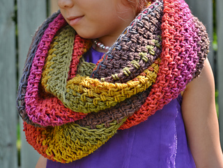 Ravelry Sugar Shack Infinity Scarf Pattern By While They Dream
