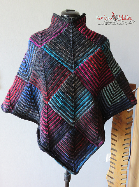 Ravelry: Bunter Poncho aus Patches pattern by Kathrin Müller
