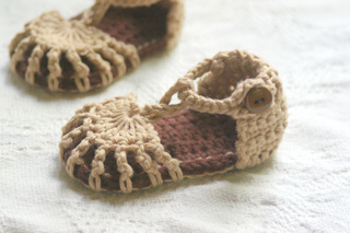 Baby_sandals_and_cole_camping_292_small2