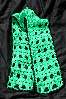 Alien_scarf_and_square_002_small2