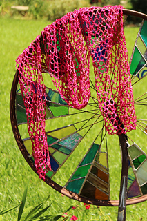 Pink_scarf_on_wheel_small2