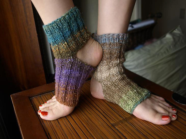 Ravelry Pilates Or Yoga Socks Pattern By Claire Herne