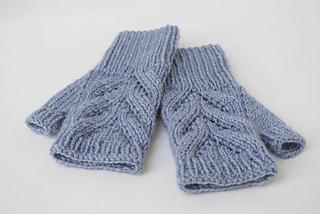 3__blue_fingerless_gloves_small2