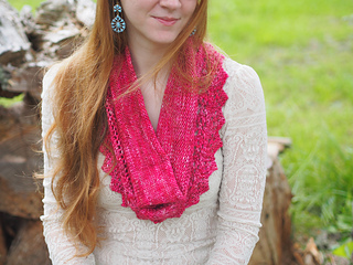 Ve170_lace_and_creme_cowl_3_small2