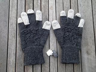 Basalt_gloves_flat_wood_small2