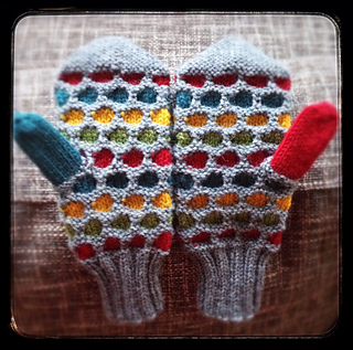 Easy Knit Mittens Pattern : Ravelry: Manly Honeycomb Mittens pattern by IamSnowfox