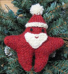 Small_santa_in_tree_small
