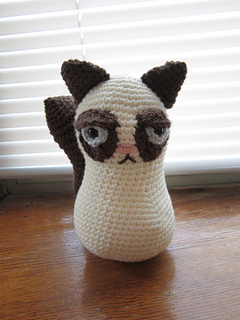 Grumpycat_front_small2