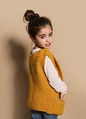 Knitting-kit-meriwool-merino-kids-puppy-vest-04_small