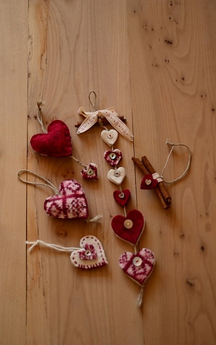 Sanquhar_hearts_collection_medium