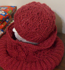 Criss_crossed_hat_002_small