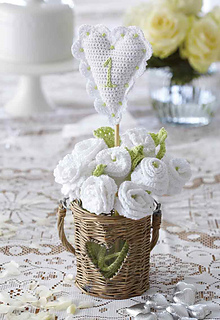 Womans-weekly-crochet-wedding-flower_small2