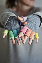 Rainbowmitts-010_small_best_fit