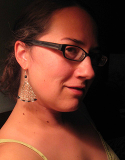 Wire_triangle_earings_headshot_small2