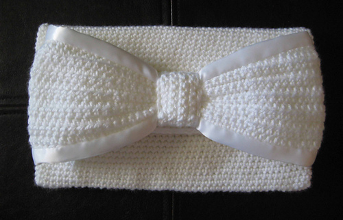 White_bow_clutch_finished_medium