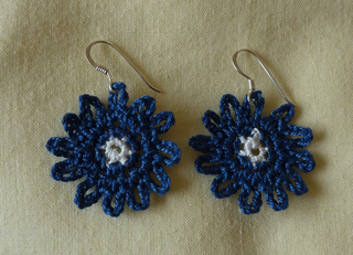 Bonny_blue_earrings_again__4__small2