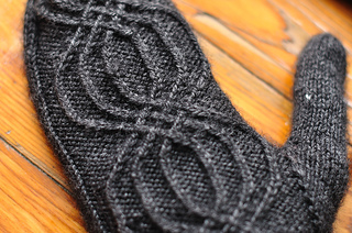 Mysterious-mittens-details_small2