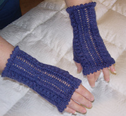 Lace_fingerless_gloves-1_small_best_fit