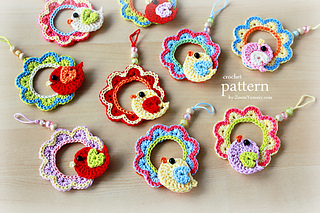 Pattern_-_crochet_bird_on_a_wreath_-_final_-_2_-_630_-_with_text_small2